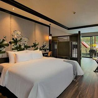 Phòng Deluxe 2N1Đ - Buffet Sáng + Bữa Tối Lãng Mạn Cho 02 Người Tại Lotus Aroma Sapa Hotel 4*