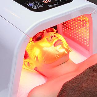 Massage Mặt Thư Giãn + Thải Độc, Ấn Huyệt Thải Độc, Thanh Lọc Làn Da/ Điện Di Vitamin C Tại Mỹ Quyên Spa
