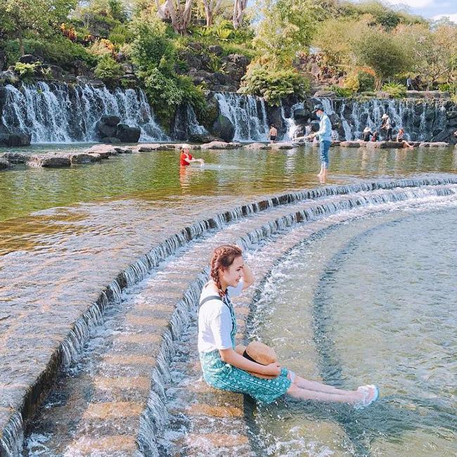 Tour 1 Ngày - Khu Du Lịch Suối Mơ – Vườn Ca Cao – Thiền Viện Trúc Lâm Chân  Pháp - Khởi Hành Chủ Nhật Hàng Tuần