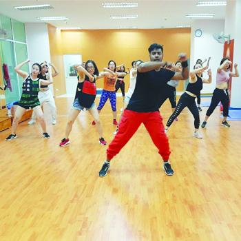 Thẻ Tập Zumba 01 Tháng Với HLV Ấn Độ Tại Prince Yoga Center