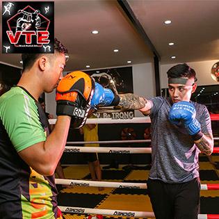 Trọn Gói 01 Tháng Luyện Tập Muay Thai, Boxing, Kickboxing, MMA Không Giới Hạn – Tặng 1 Buổi HLV Cá Nhân Tại VTE Club