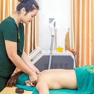 Thư Giãn Cơ Thể Massage Body Chuyên Sâu Bằng Đá Nóng (Tặng Nằm Gối Ngải Cứu Tươi) - Sam Spa