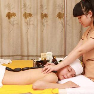 (120') Massage Body + Foot + Ngâm Chân + Chạy Collagen Tươi + Đắp Mặt Nạ/ Tắm Bùn Khoáng - Thanh Thanh Spa