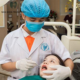 Khám Tổng Quát + Lấy Cao Răng + Đánh Bóng Răng + Hàn Răng Sâu Tại Nha Khoa Trung Hiếu