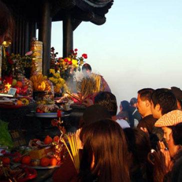 Du Xuân Lễ Phật Yên Tử Đầu Năm