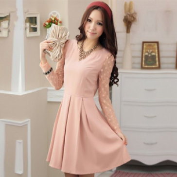 Đầm Xếp Ly Tay Ren Kèm Nịt Hoa Màu Đen