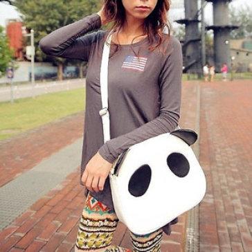 Túi Xách Đeo Chéo Panda Màu Đen