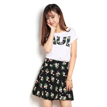Áo Thun Crop Top + Chân Váy Hoa