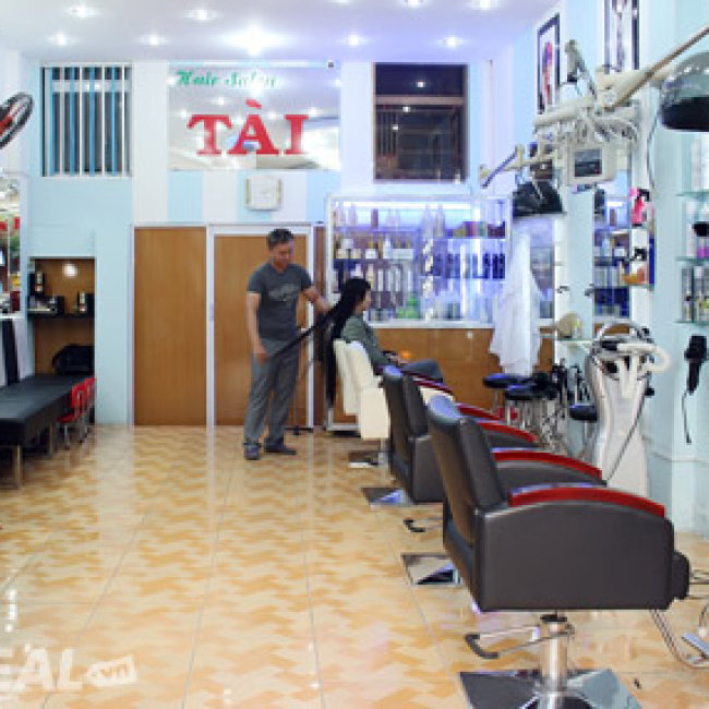Salon t c t i for Added touch salon