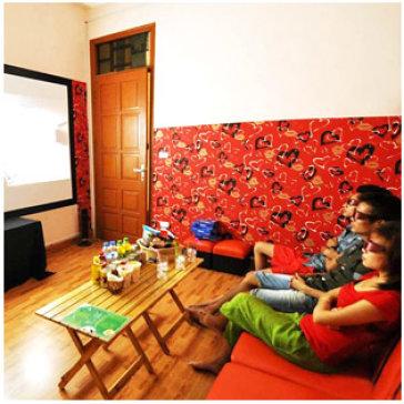 2 Giờ Xem Phim HD + 1 Đĩa Trái Cây Cho 3 Người Tại Café May 2