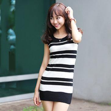 Đầm Len Dệt Kim Sọc Ngang